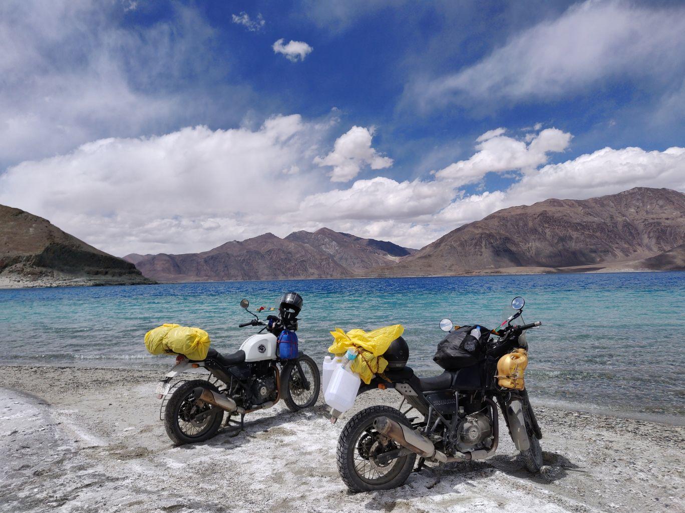 Photo of Pangong Lake By Vaibhav Choudhary