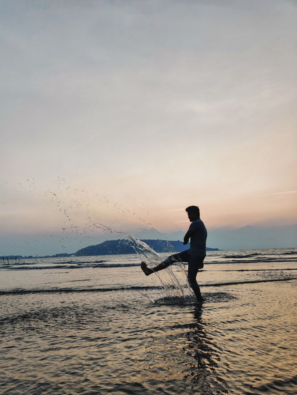 Photo of Revdanda Beach By Shubhangee Vyas