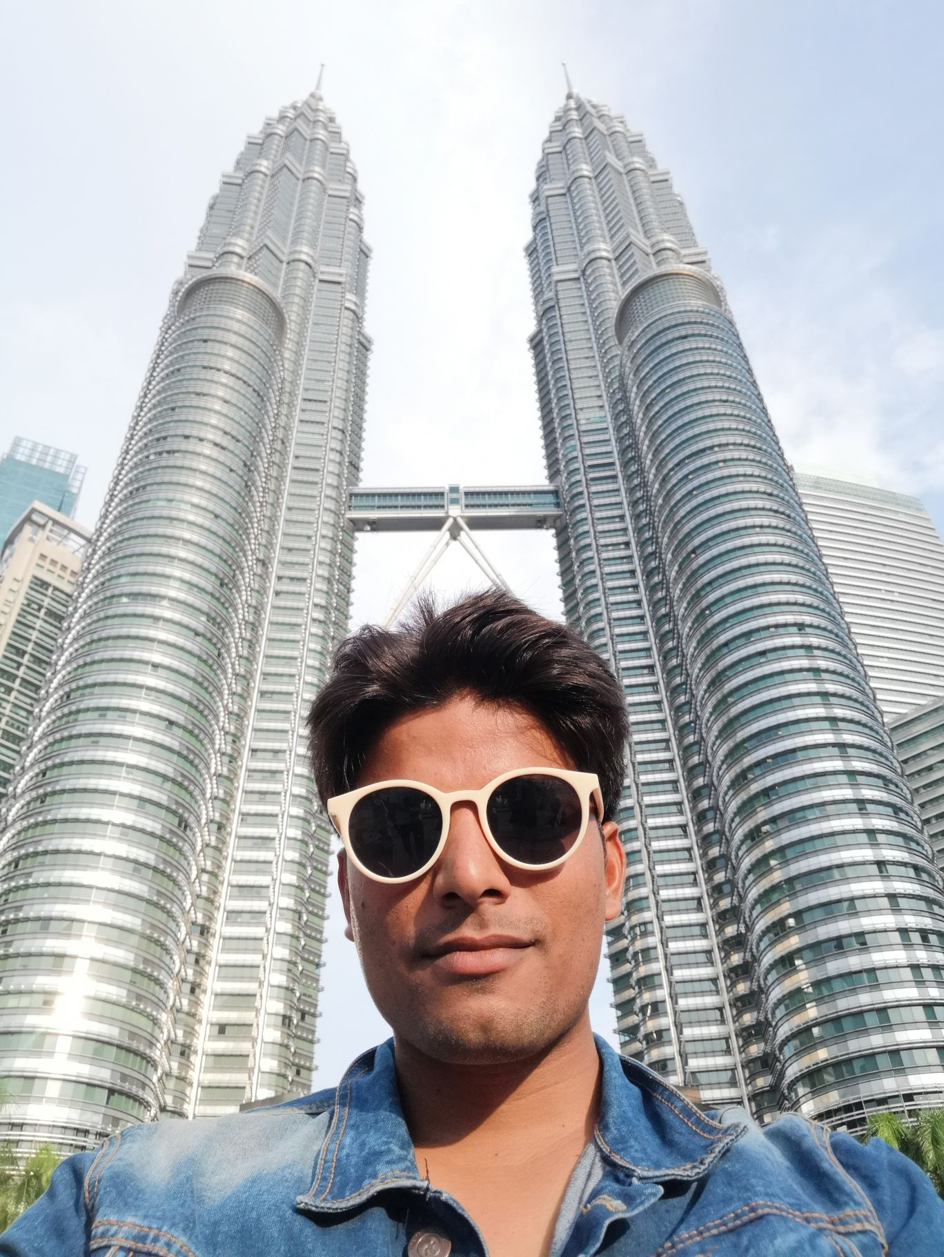 Photo of Petronas Twin Tower By Firoz Saifi
