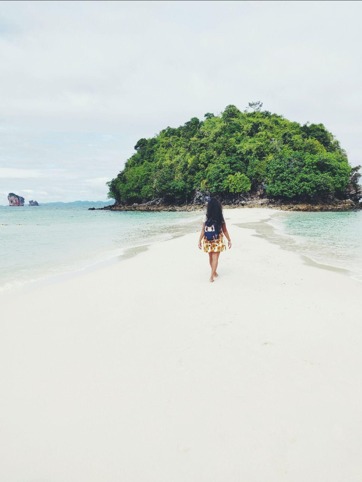 Photo of Phi Phi Islands By Devi Archana Das
