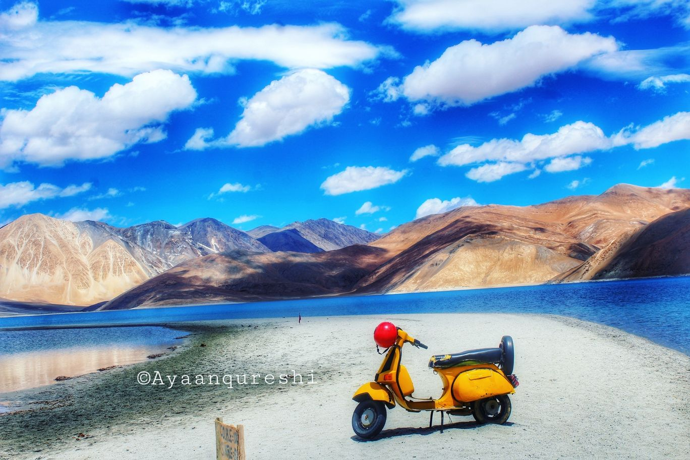 Photo of Pangong Lake By AyaAn Qureshi