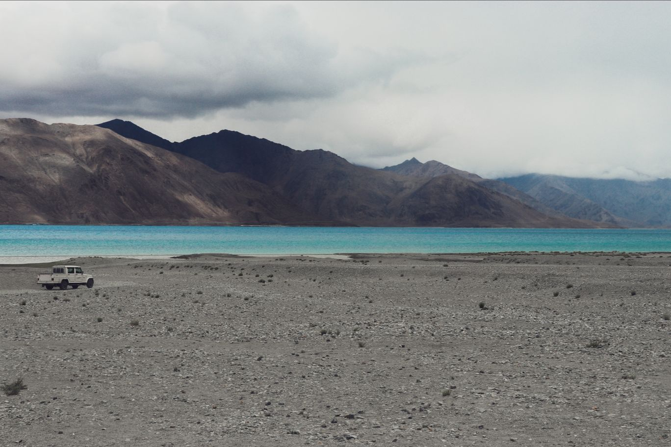 Photo of Pangong Lake By Moomin Bhat