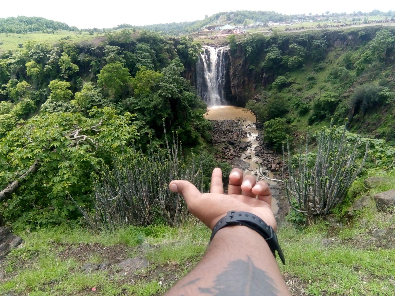 Photo of Patalpani Waterfall By Vikas Kumar