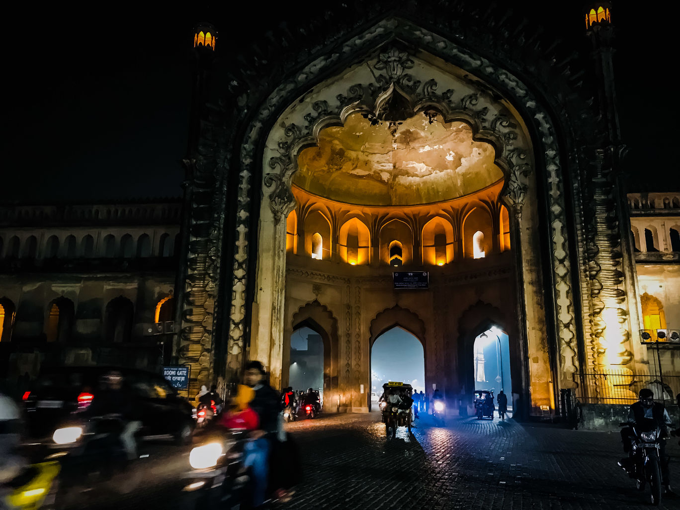 Photo of Lucknow By Harshit Jaiswal
