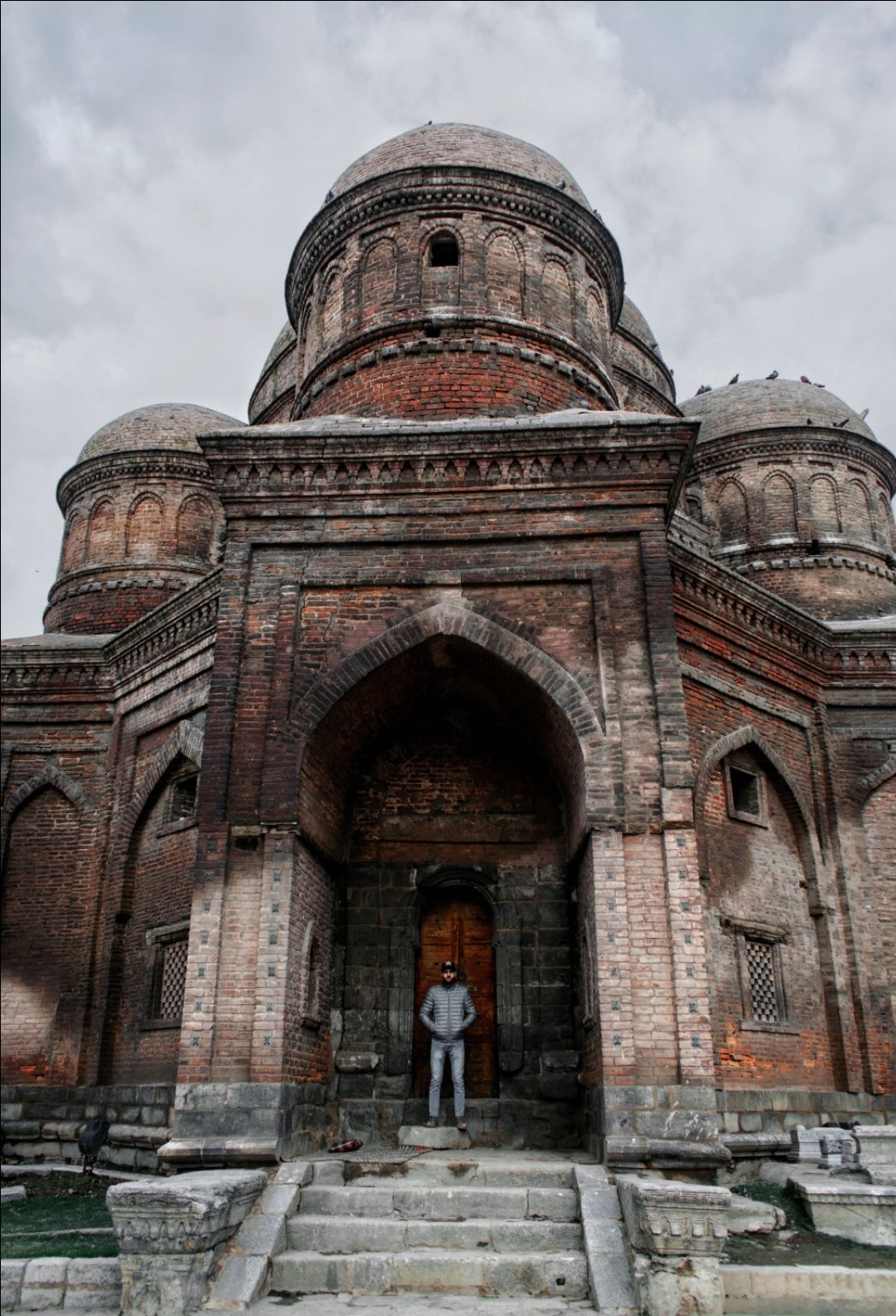 Photo of Tomb of Zain-ul-Abidin's Mother By Shah Shais