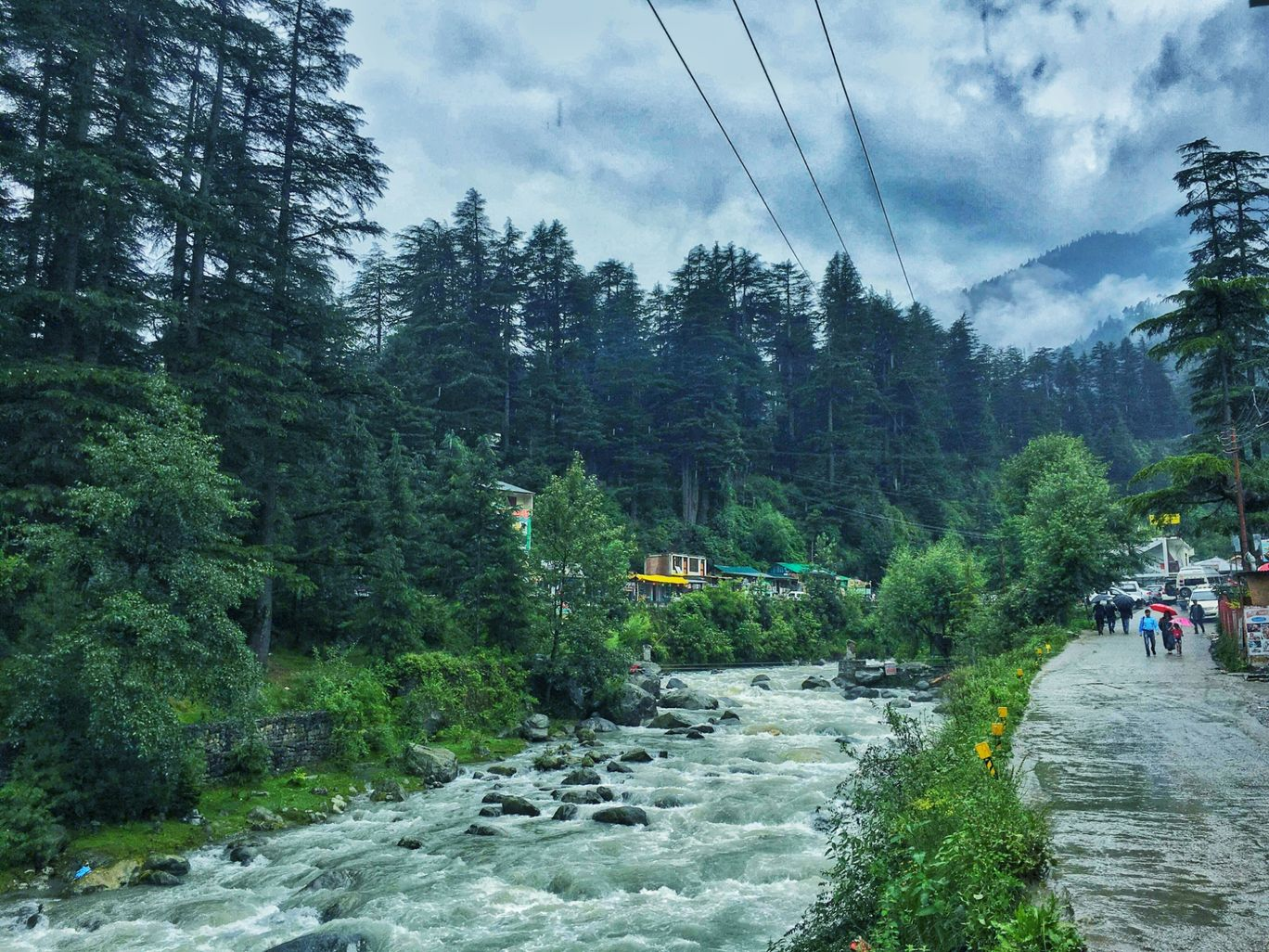 Photo of Old Manali By Zeeshan Ahmed