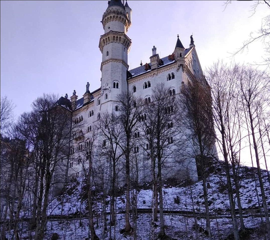 Photo of Neuschwanstein Castle By Chandni Pradhan