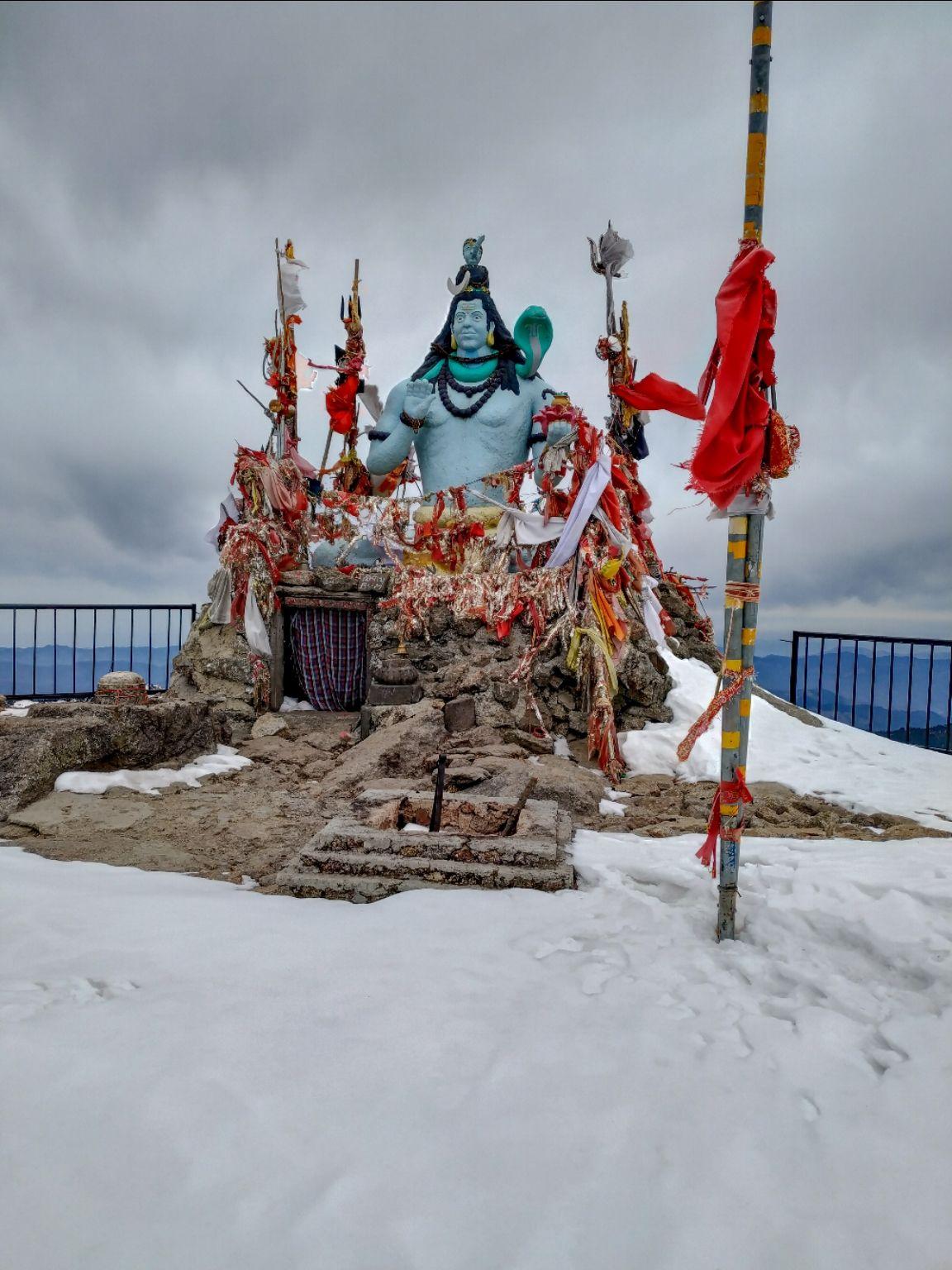 Photo of Churdhaar Peak By Worst_Wanderlust