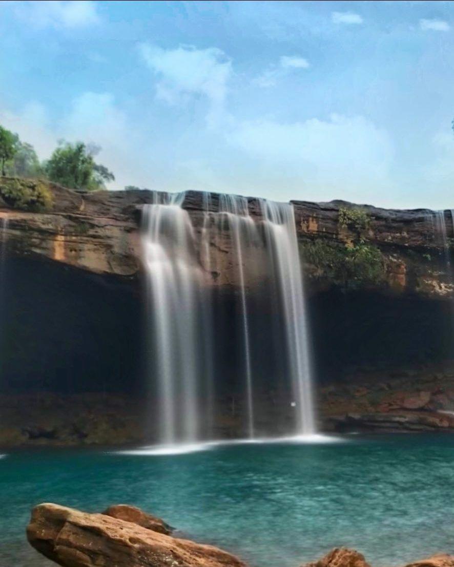 Photo of Krang Shuri Waterfall By Gouboi Kipgen