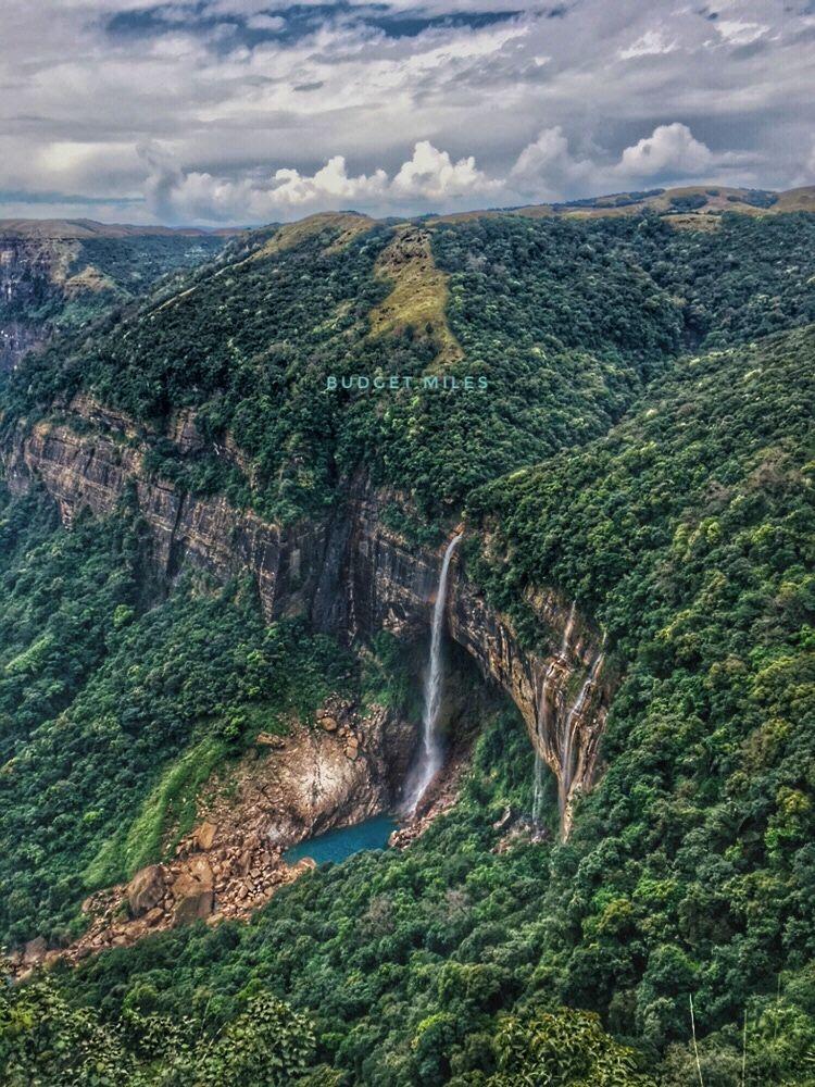 Photo of NohaKalikai Waterfalls By Budget.Miles