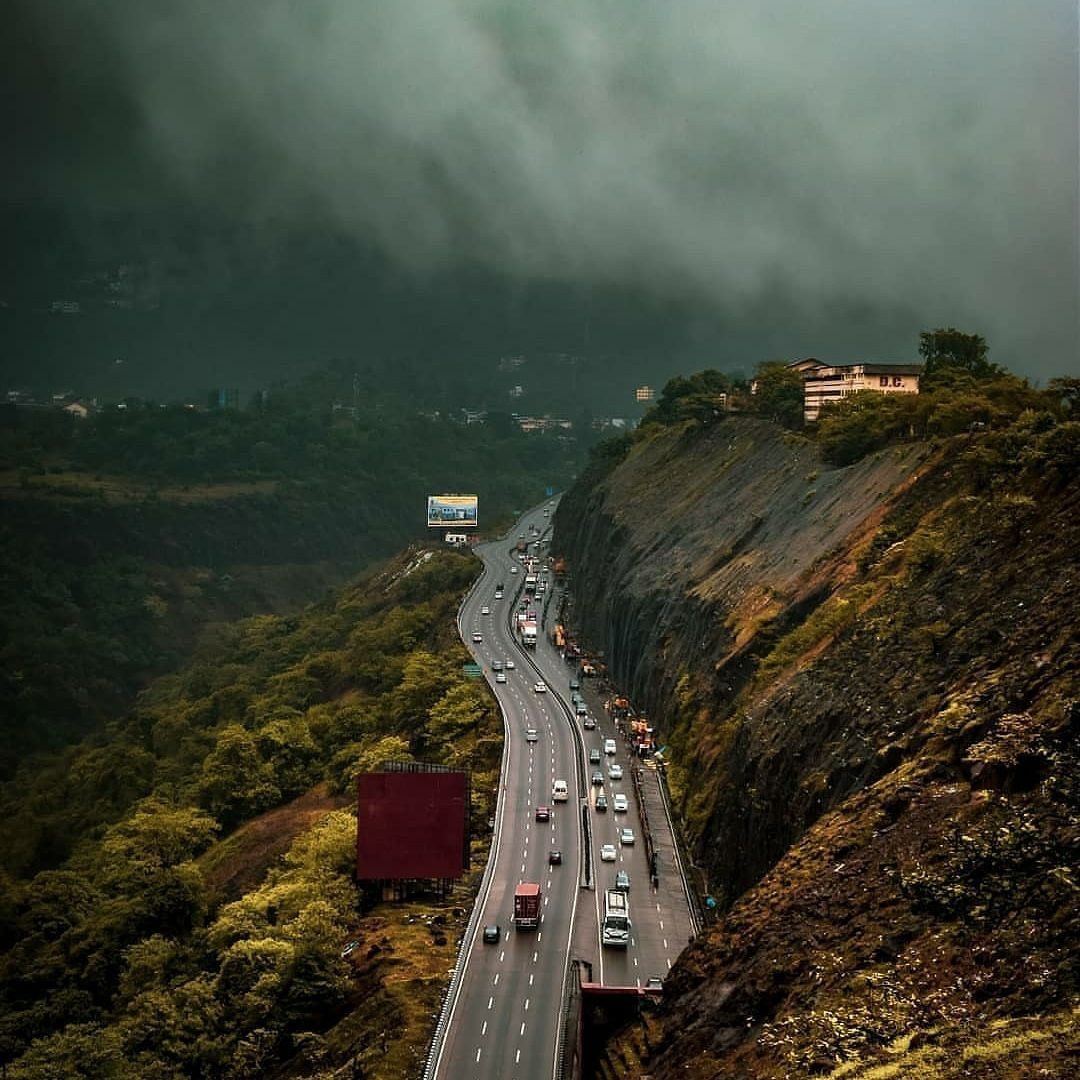 Photo of Mumbai Highway By Aamir Shergadwala