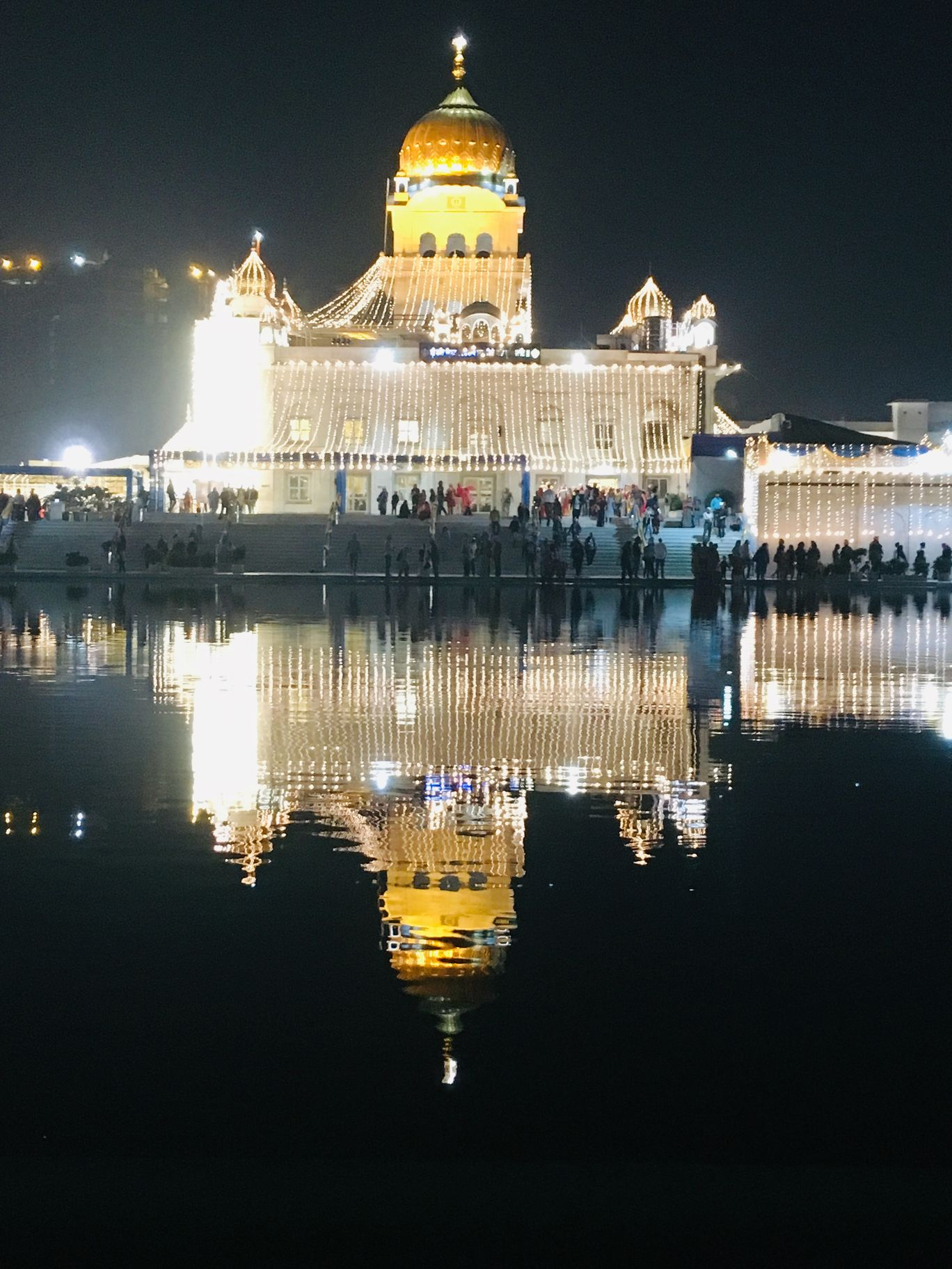 Photo of Sri Bangla Sahib Gurudwara By Aakarsh Rai