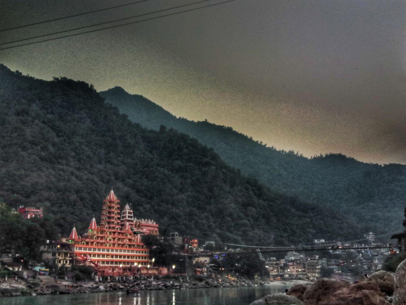 Photo of Lakshman Jhula By thehdsoul