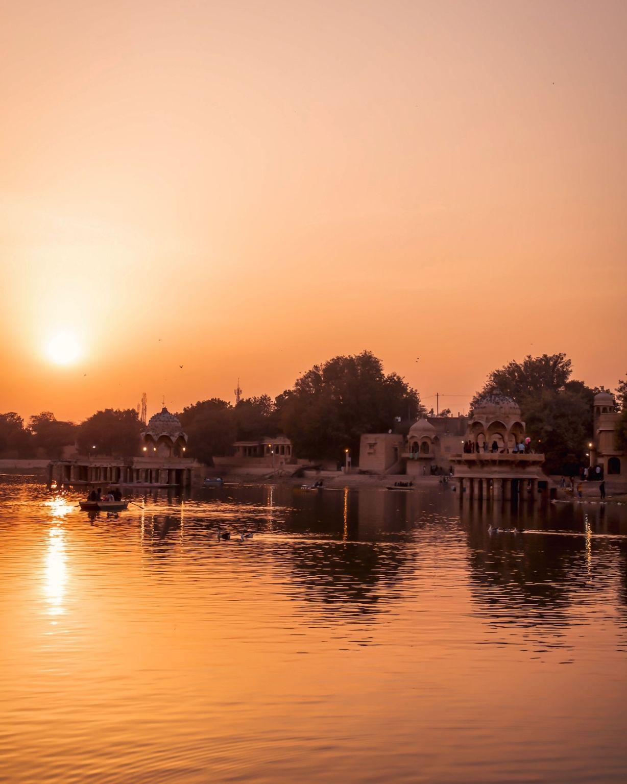 Photo of Gadisar Lake By GVPIXEL