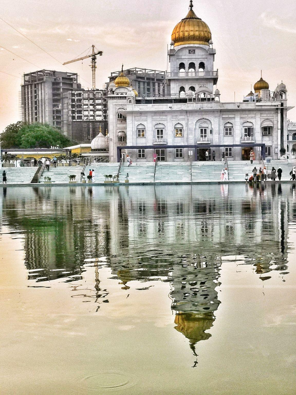 Photo of Gurudwara Bangla Sahib By varunkevlogs on Youtube