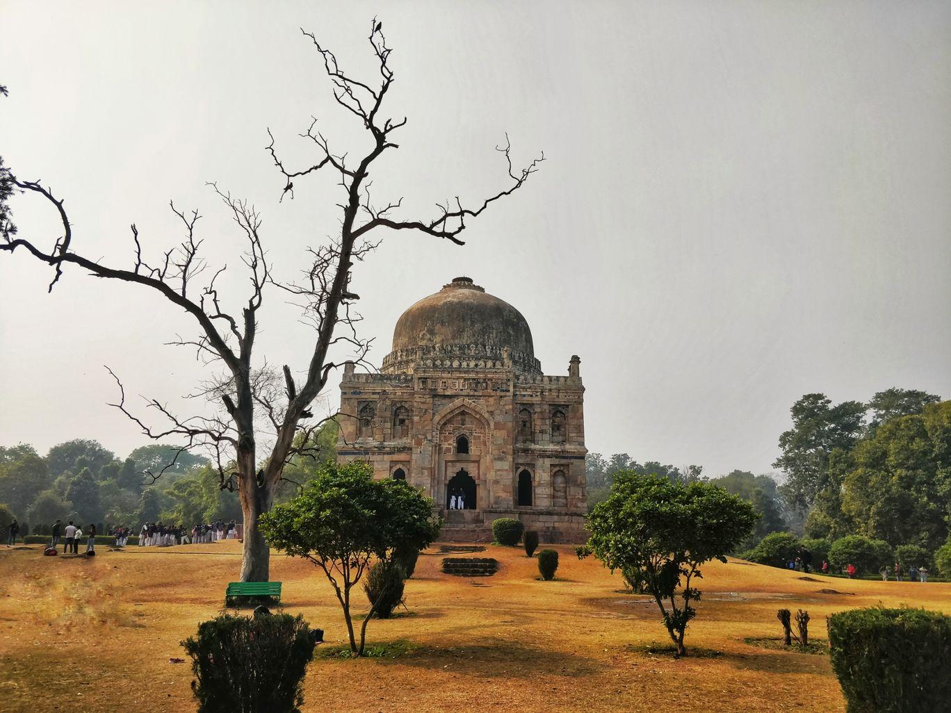 Photo of Lodhi Gardens By Praneeth Gatreddy