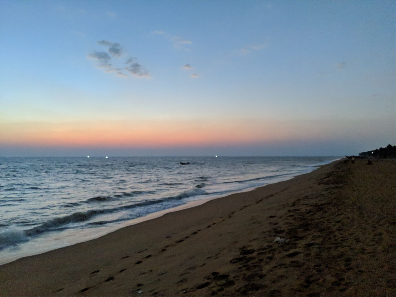 Photo of Shanghumugham Beach Parking By Gaurav Kushwaha
