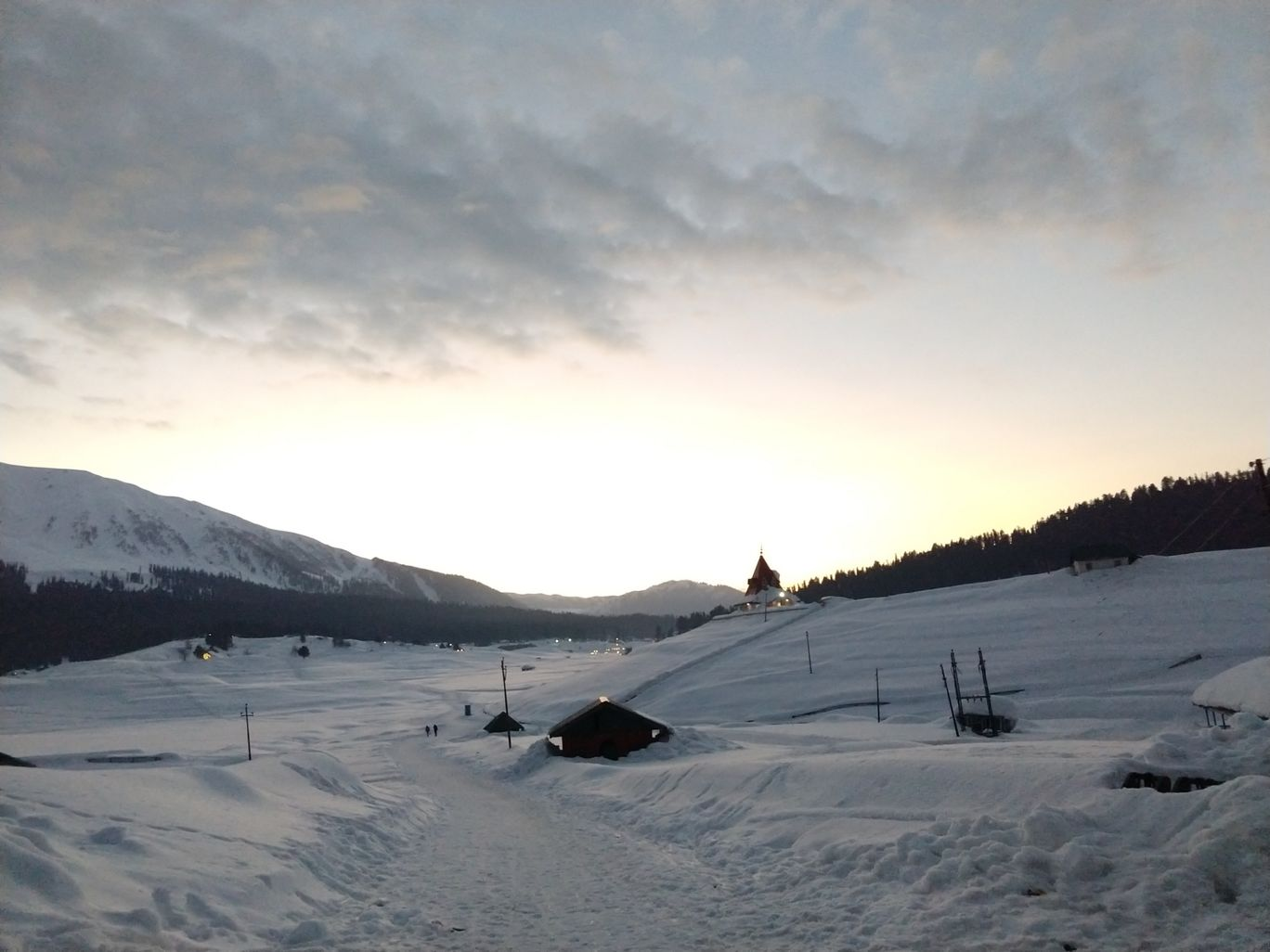 Photo of Gulmarg By Deepika Kateja