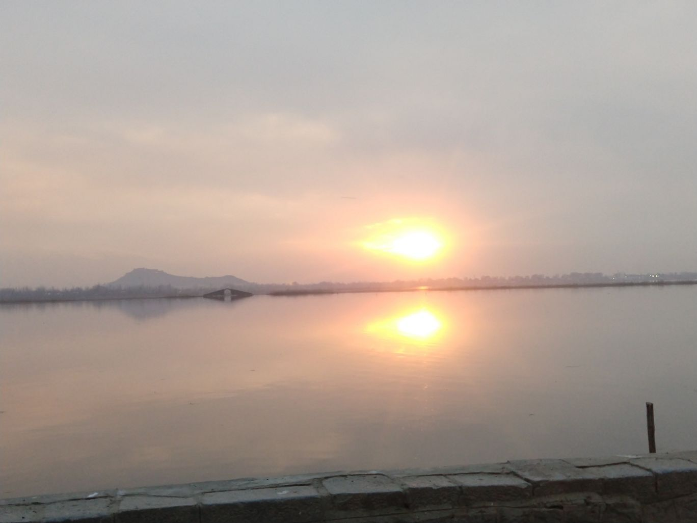 Photo of Dal Lake By Deepika Kateja