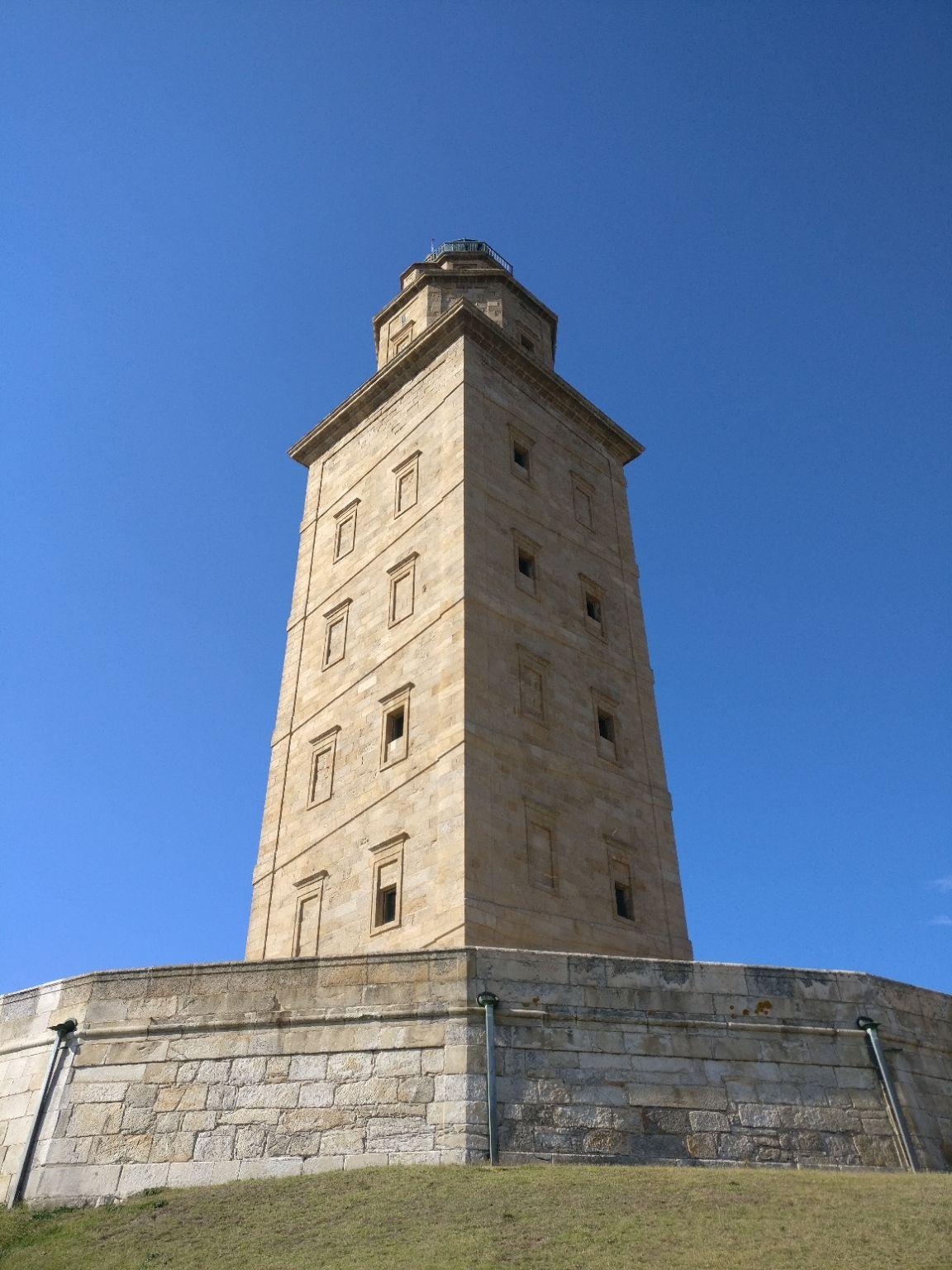 Photo of Torre de Hércules By Misbun Moraes