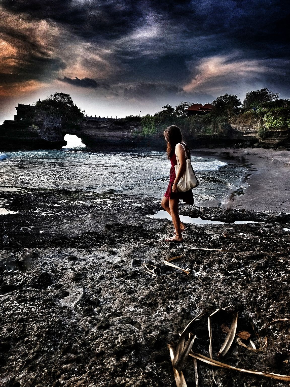 Photo of Tanah Lot Temple By Nikhar Loonker