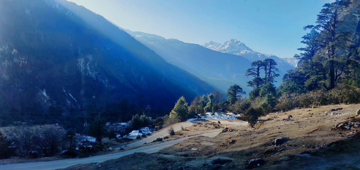 Photo of Yumthang By Kashyapee Mandal