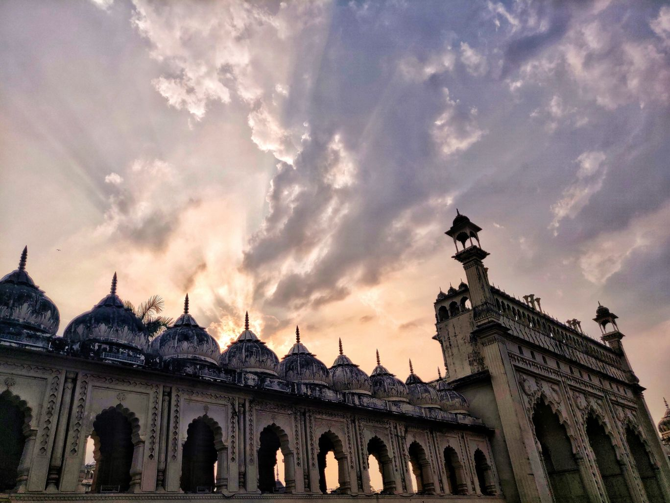 Photo of Bara Imambara By Nikhil Viswanath