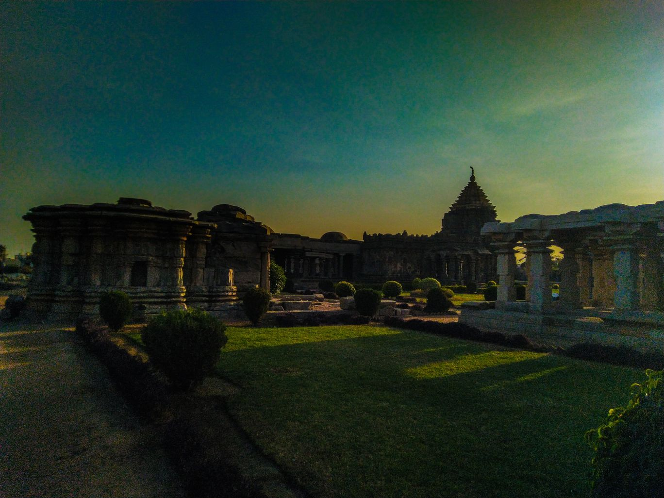 Photo of Mahadeva Temple By Sangamesh Hiremath