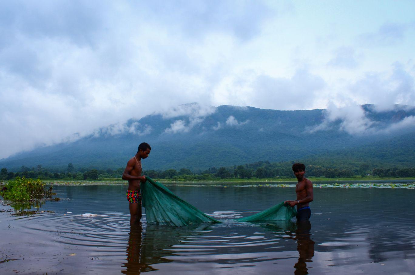 Photo of Dimna Lake By Shibam Chand