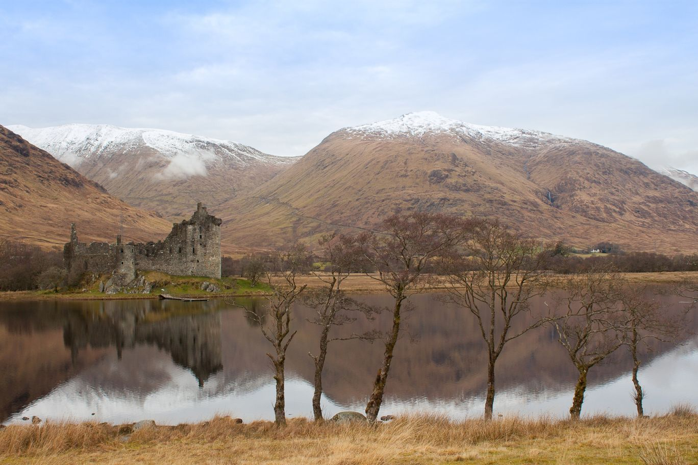 Photo of Kilchurn Castle By Kuba Borowski