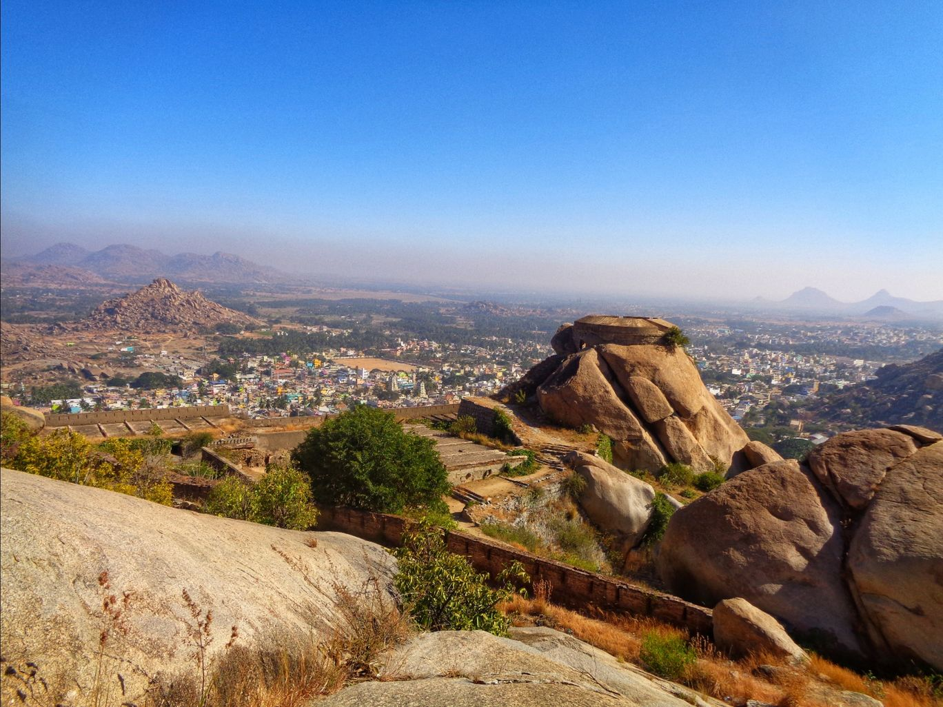Photo of Madhugiri Fort Hill Top By Nitin Chandavar