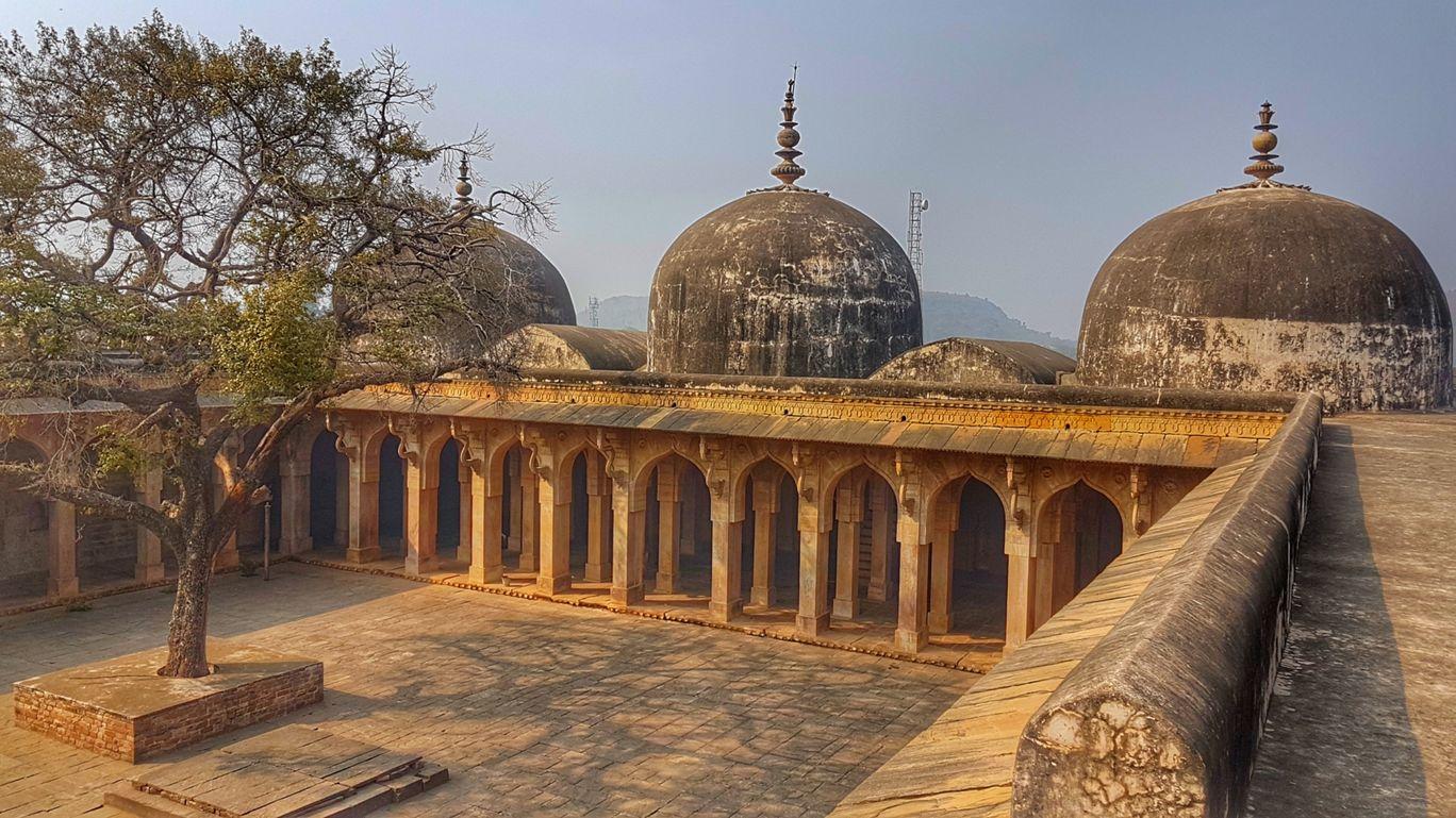 Photo of Jama Masjid By Chanderi Madhya predesh.