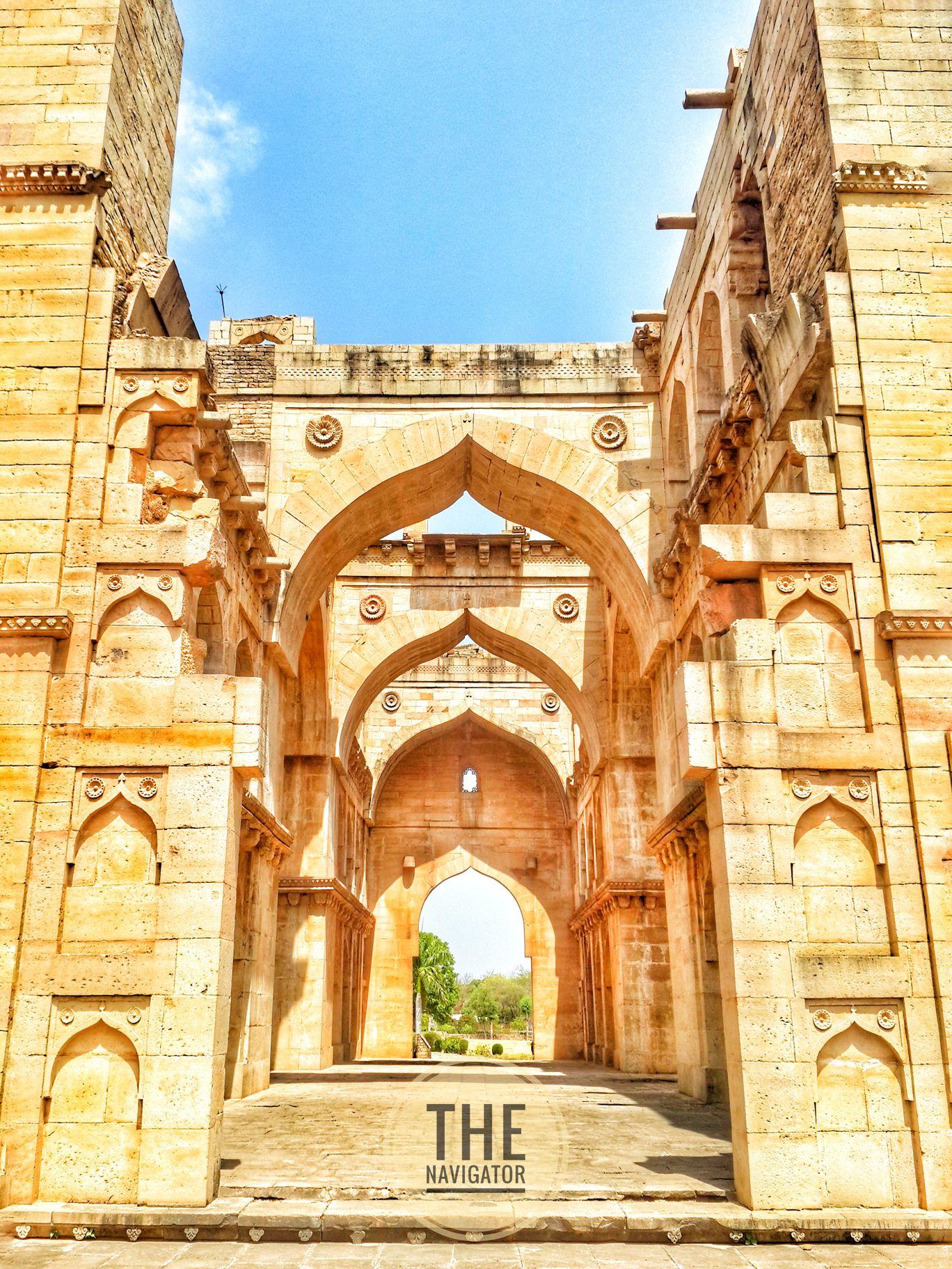Photo of Koshak Mahal By Chanderi Madhya predesh.