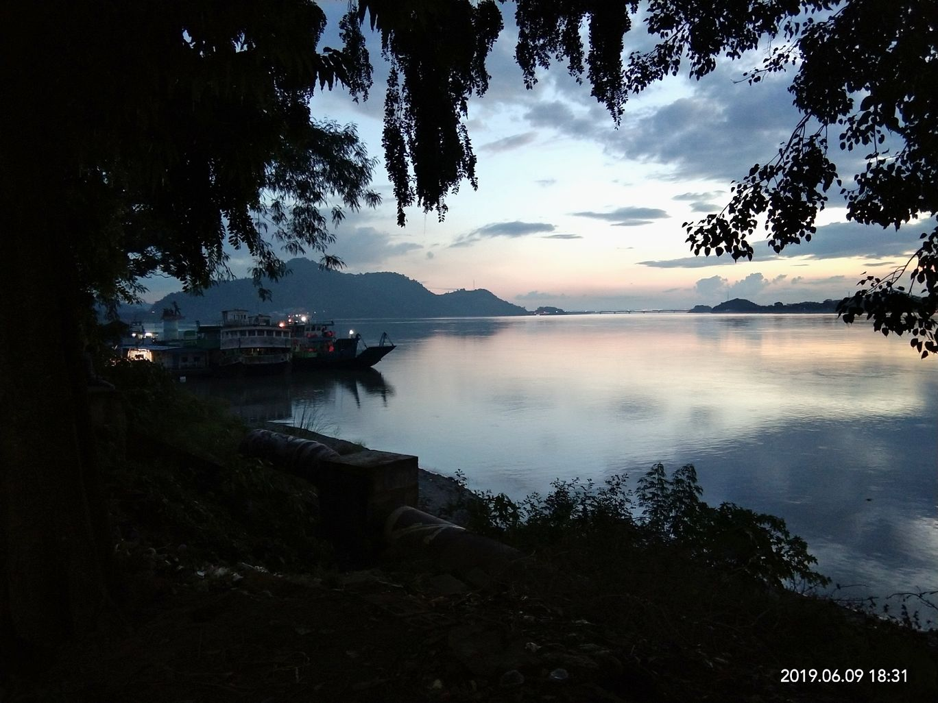 Photo of Guwahati By Shahanur Alom