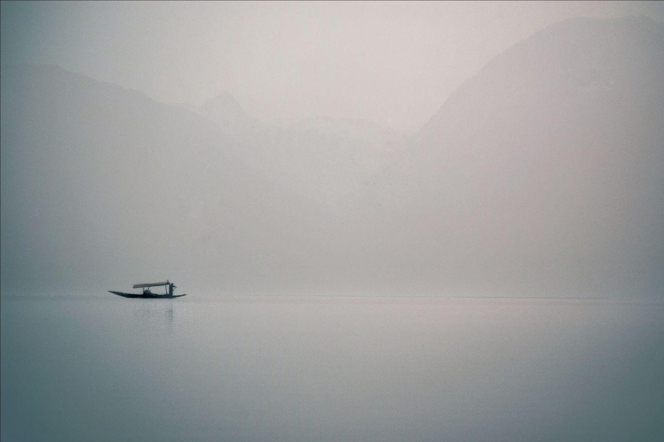 Photo of Dal Lake By Yash Bhadauria