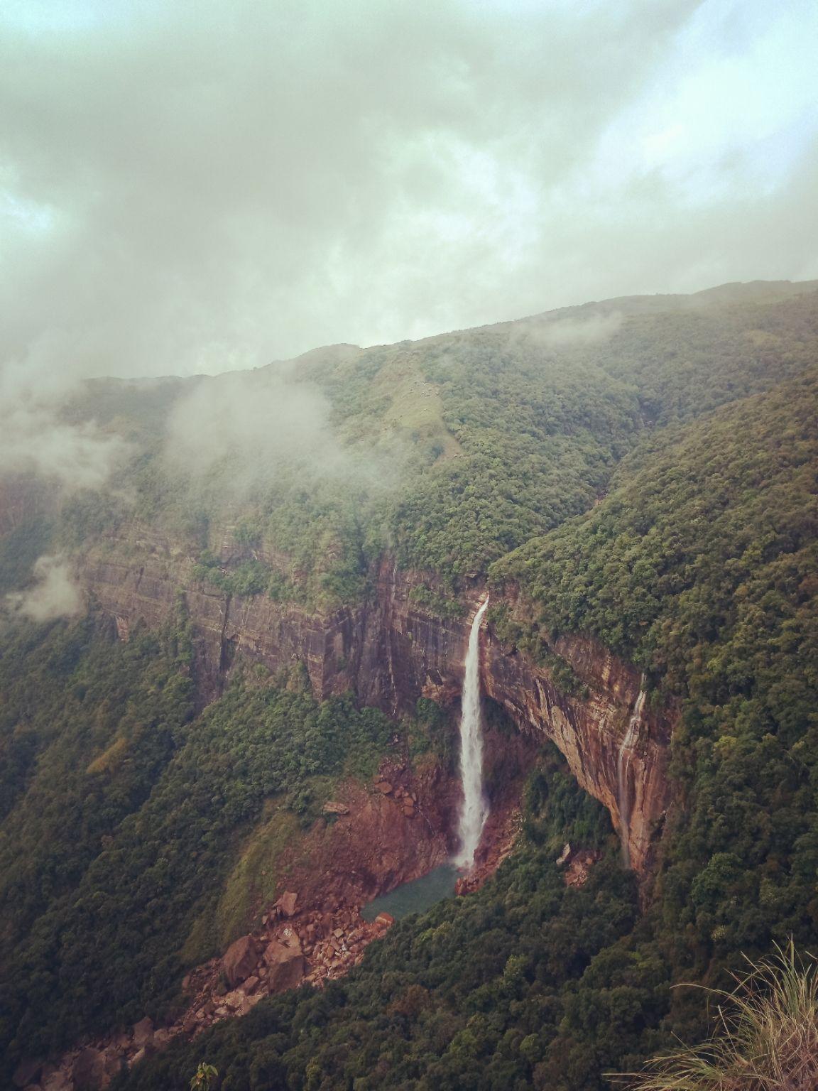 Photo of NohKaLikai Falls By Biswajit Bhattacharjee