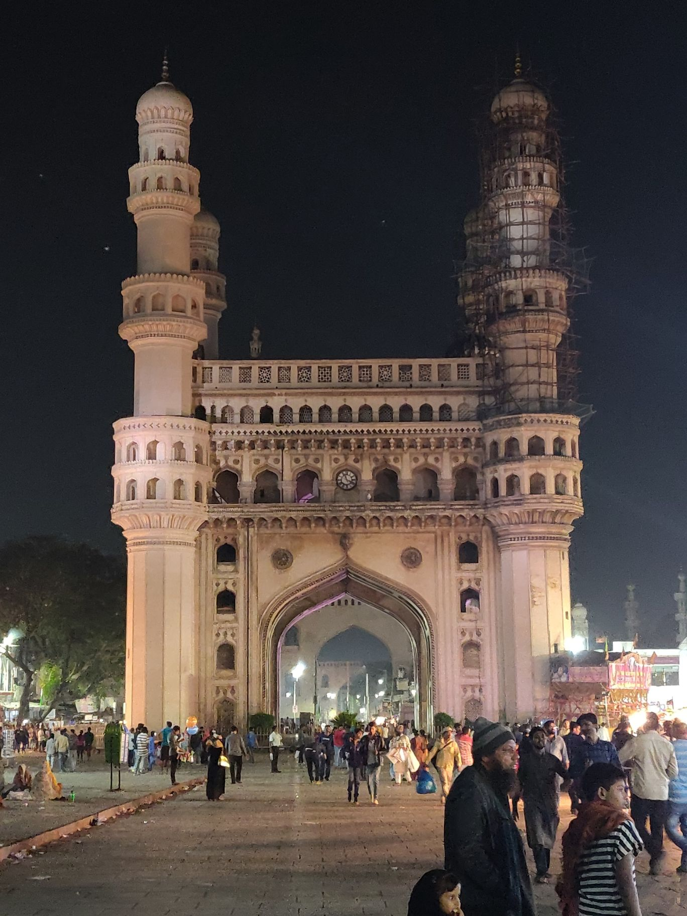 Photo of Charminar By Uttej