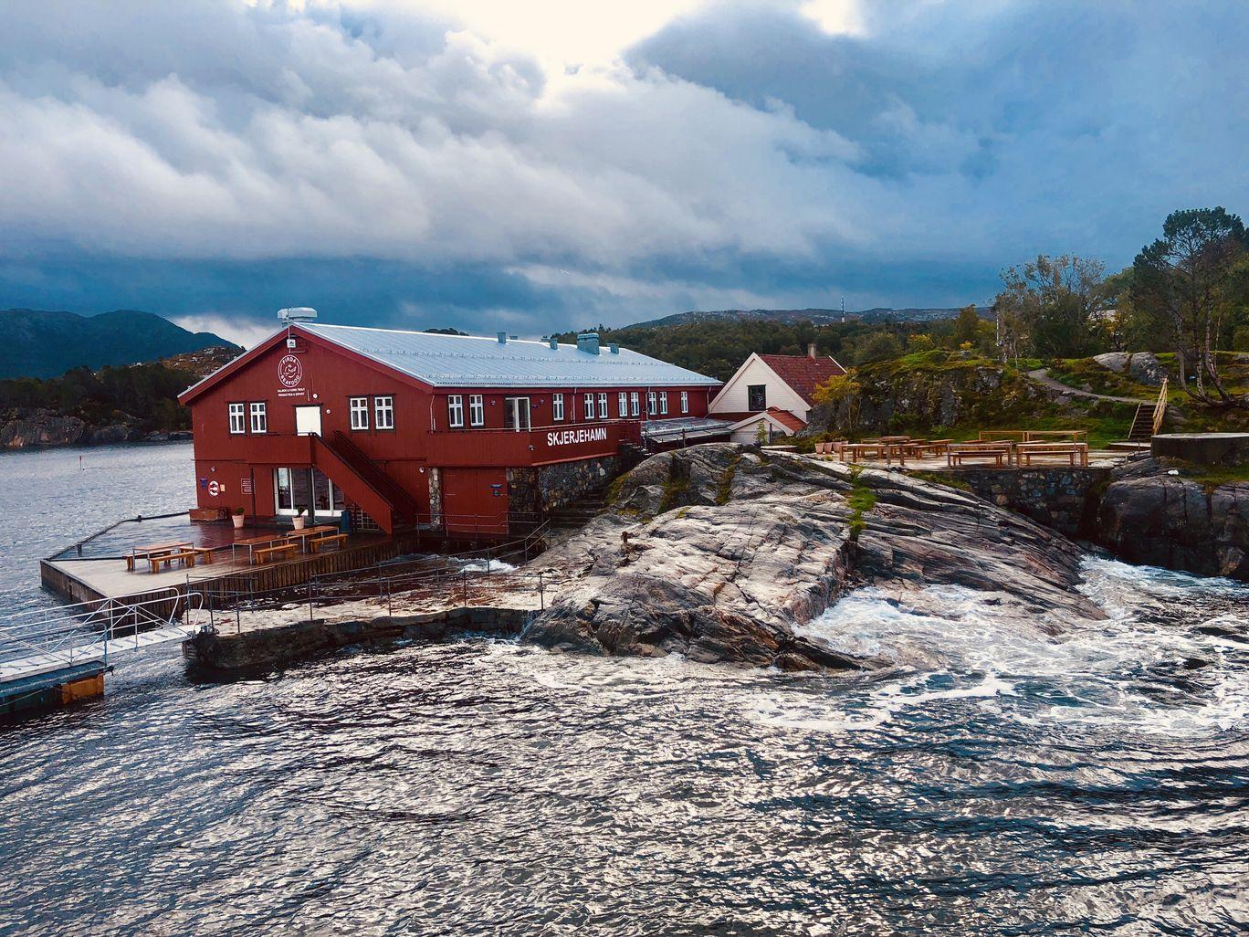 Photo of Skjerjehamn By Naveen Issac Immanuel
