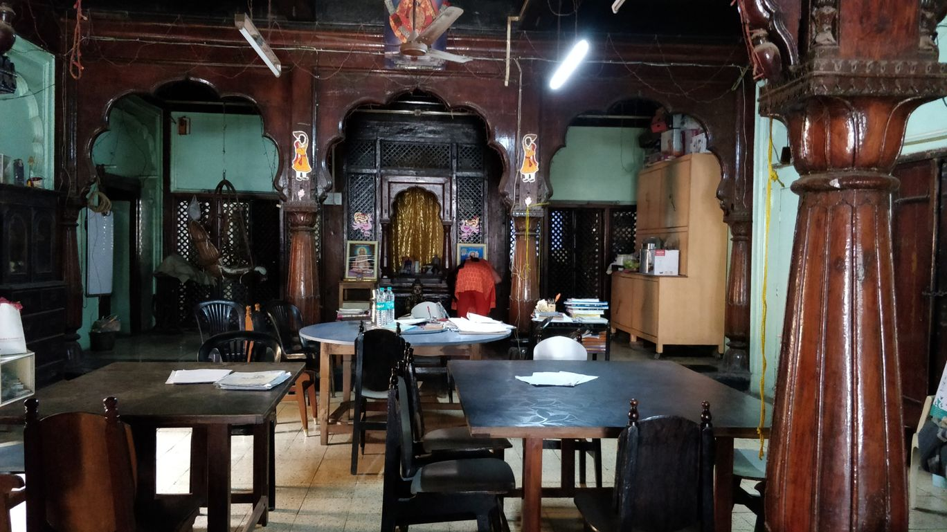 Photo of Old Sarkar Wada By Poorva Ghiya