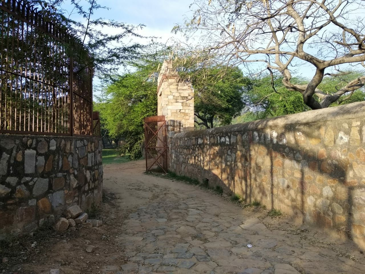 Photo of Mehrauli Archaeological Park By Devashish Mohan