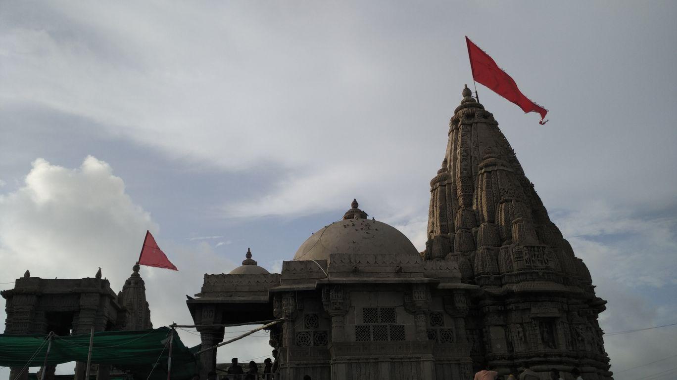 Photo of Dwarika Temple Gujarat. By Nirmal Gandhi