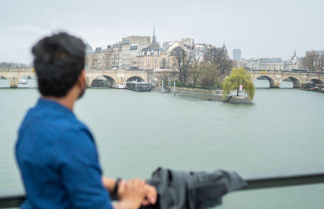 Photo of Paris By SRIGIRI RAMDHEERAJ .