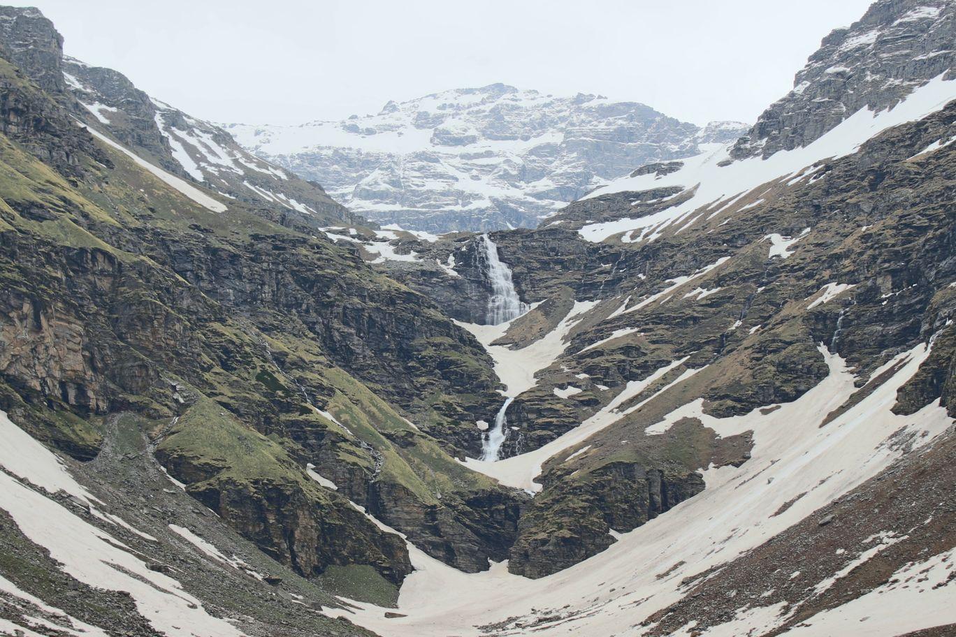 Photo of Rupin Pass By Gaurav