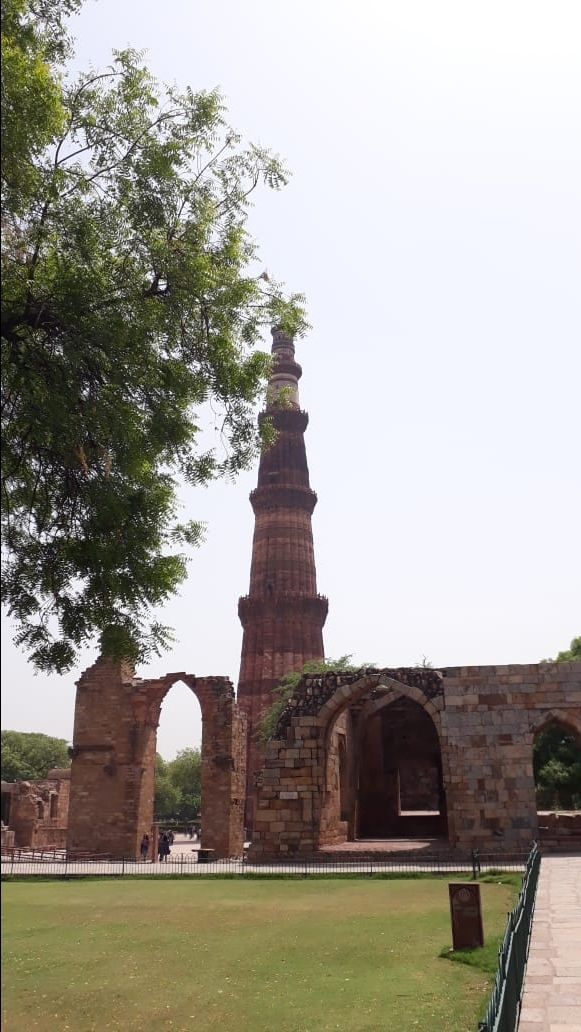 Photo of Qutub Minar By Snigdha Pandey