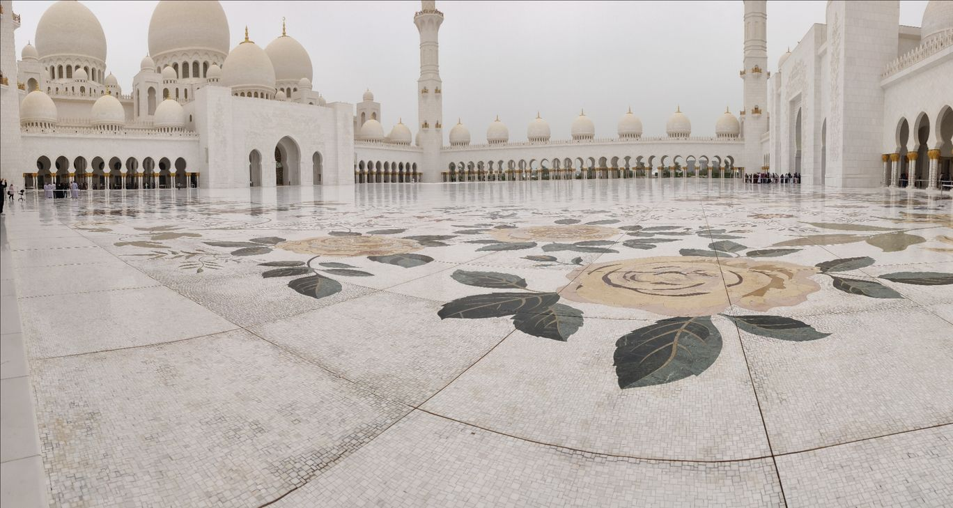 Photo of Sheikh Zayed Grand Mosque - Sheikh Rashid Bin Saeed St - Abu Dhabi - United Arab Emirates By Ayushi Chhaperia