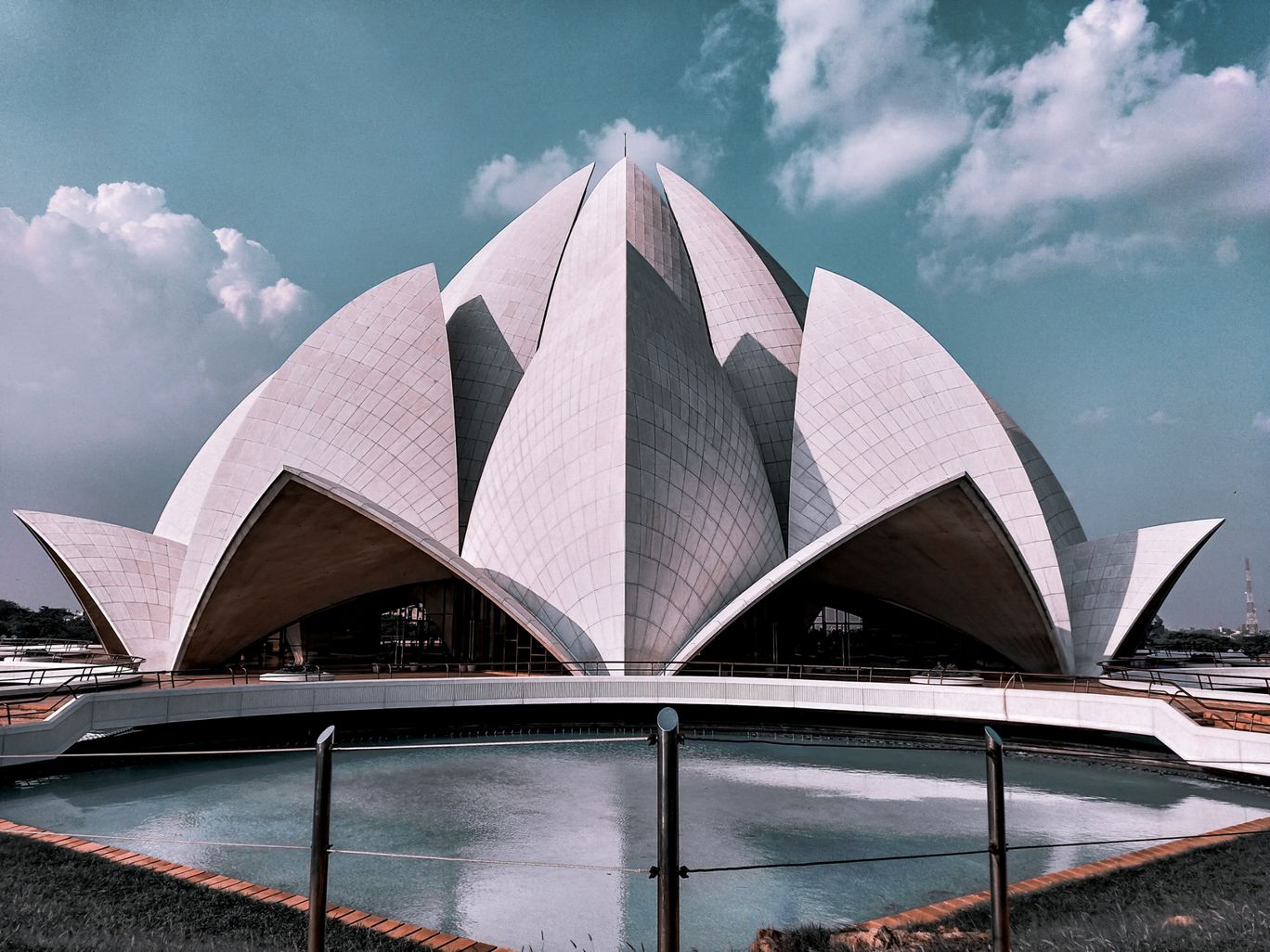 Photo of Lotus Temple By Renu Bagry