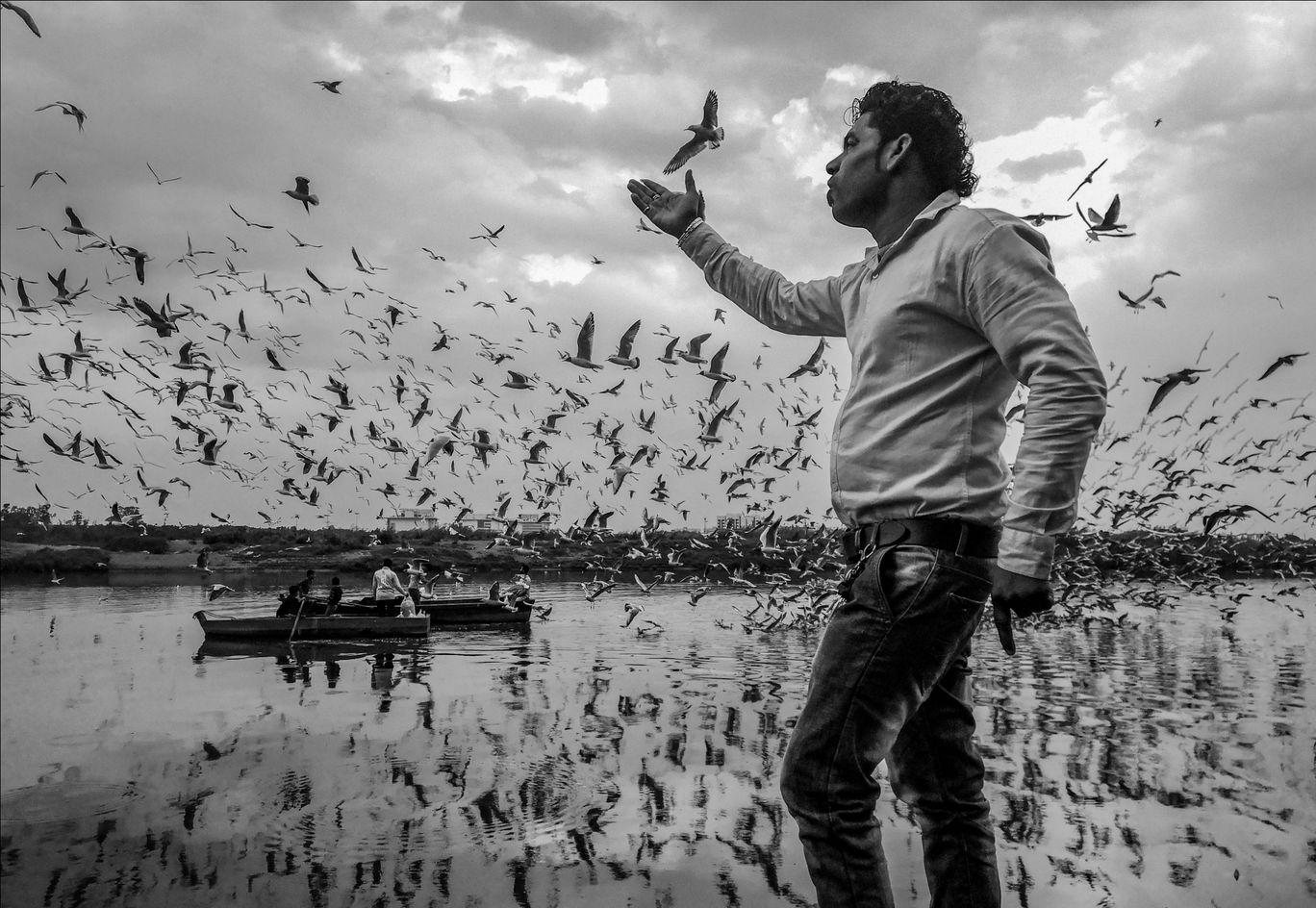Photo of Nigambodh Ghat By Ajay Kumar
