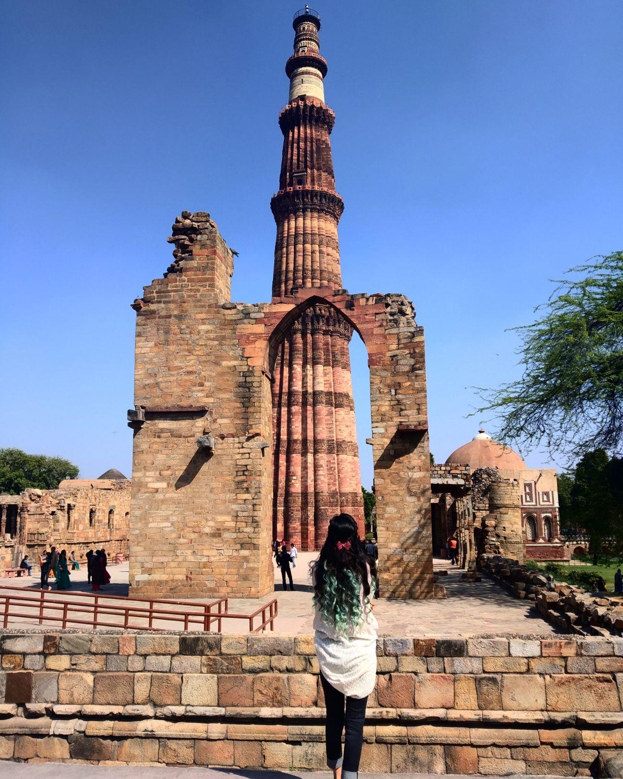 Photo of Qutub Minar By deeksha panwar