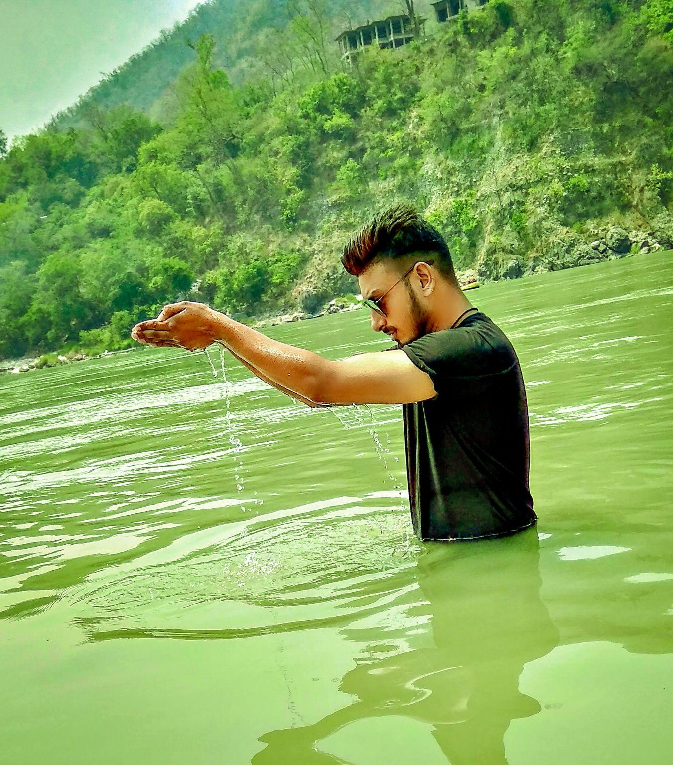 Photo of Rishikesh By Rishav Chauhan