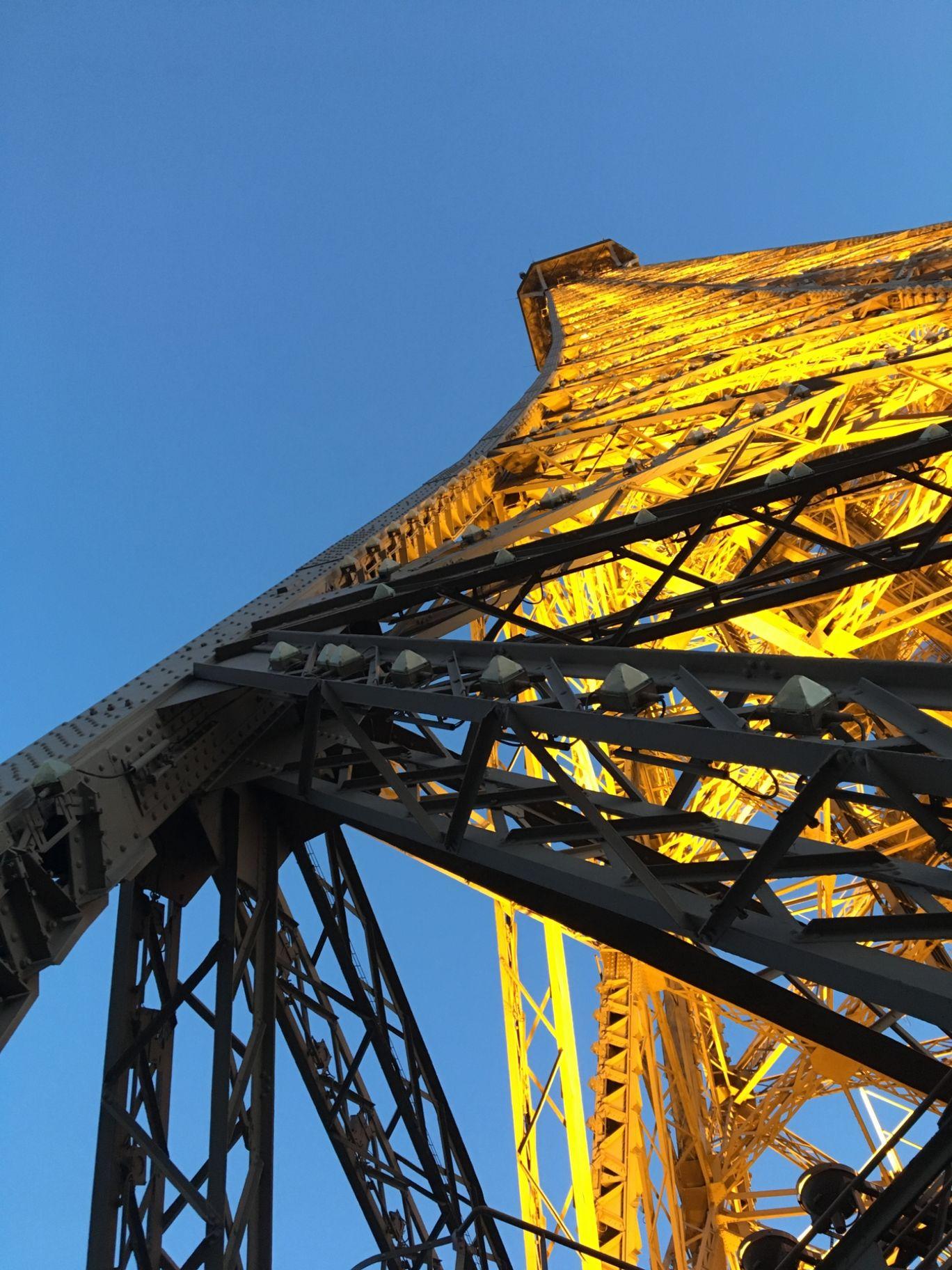 Photo of Eiffel Tower By Dev Veer Vikram Garg